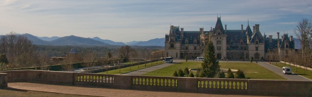 BILTMORE-AND-MOUNTAINS.jpg